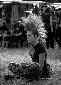 Punk couple by ruby-throat on DeviantArt Mode Punk Rock, Punk Rock Girls, Grunge Goth, Punk Goth, Punk Mohawk, Mohawk Hair, Chica Punk, Crust Punk, Punks Not Dead