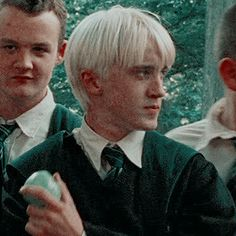 Draco Harry Potter, Mundo Harry Potter, Harry Potter Icons, Harry Potter Tumblr, Harry Potter Pictures, Harry Potter Characters, Tom Felton, Draco Malfoy Aesthetic, Slytherin Aesthetic