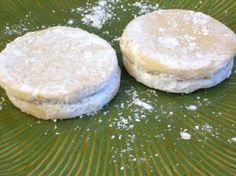 Alfajores Peruanos (Peruvian sandwich cookies with a filling of dulce de leche) Recipe. My new fave cookie!!!!!