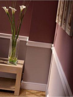 wand halbhoch streichen und mit stuckleisten in zwei trennen einrichten und wohnen pinterest. Black Bedroom Furniture Sets. Home Design Ideas