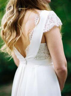 Blog mariage - La mariée aux pieds nus - Photo : L'artisan Photographe - Stéphanie Wolff - Robes de mariée - Collection 2016 - Robe Moriarty