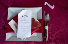 valentine's day place setting wedding, hearts, glitter, red, image by Ali Lovegrove Photography http://www.alilovegrovephotography.com/
