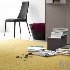 Very Flat Minimalist Look #Rug by #Calligaris starting from £420. Showroom open 7 days a week.  #calligaris_accessories #modern_furniture_accessories #furnitureaccessories  #fcilondon #furniture_showroom_london  #furniture_stores_london