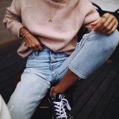 Pink knit kinda mornings 👅 // #acnestudios knit & #levis jeans via @shopbop 💥