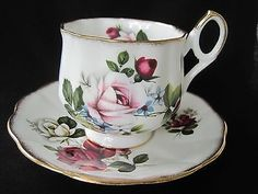 Vintage ROSINA Scalloped Bone China Footed Cup & Saucer Set - ENGLAND