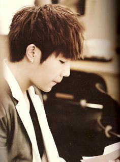 Sunggyu! WHY YOU SOOOOOOO CUTE!!XD Come visit kpopcity.net for the largest discount fashion store in the world!!