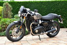 2017 Triumphmotorcycles T100 & Street Cup Triumph T120, Triumph Motorcycles, Triumph Street Twin, Book Value, Dream Garage, Bobber, Used Cars, Motorbikes, Cars For Sale
