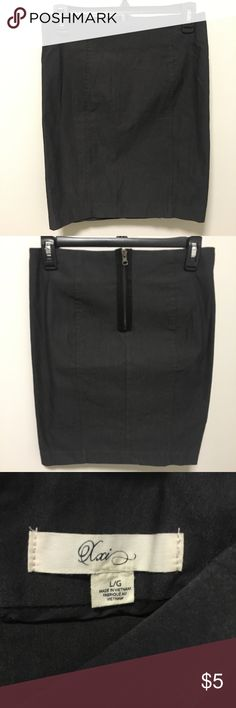 Forever 21 (XXI) Mini Pencil Skirt Gray - Forever 21 brand - Gray pencil skirt, perfect for work or interviews! - Size L, fits small in my opinion! Forever 21 Skirts Pencil
