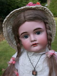 STUNNING FACED J.D.KESTNER 164 CHILD DOLL IN EXCEPTIONAL NEAR MINT CONDITION.