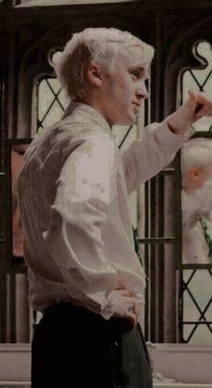 Draco Harry Potter, Magia Harry Potter, Mundo Harry Potter, Harry Potter Tumblr, Harry Potter Pictures, Harry Potter Characters, Hogwarts, Slytherin, Tom Felton