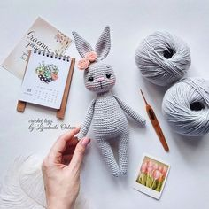 Amigurumi do Zero Crochet Dolls Free Patterns, Crochet Doll Pattern, Amigurumi Patterns, Amigurumi Doll, Crochet Rabbit, Cute Crochet, Crochet Mignon, Stuffed Animal Patterns, Learn To Crochet