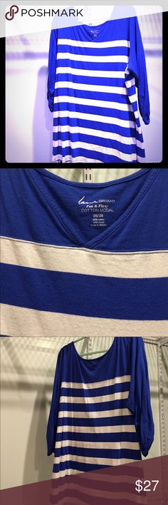 """Plus Size Lane Bryant V-neck 3/4 sleeve top blue Plus Size Lane Bryant V-neck flattering elastic scrunch 3/4 sleeve Top blue white stripe size 26/28 very small not very noticeable spot on front of top, see picture with arrow. 32"""" length Lane Bryant Tops"""