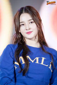 Pretty Korean Girls, Korean Beauty Girls, Asian Beauty, Pretty Girls, Nancy Jewel Mcdonie, Nancy Momoland, Beautiful Blonde Girl, The Most Beautiful Girl, Nancy Korean