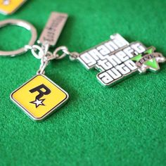 PS4 GTA 5 Game keychain Grand Theft Auto 5 Keychains For Men Fans Xbox PC Rockstar