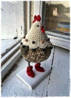 haken ideas for crochet rooster Crochet Birds, Easter Crochet, Crochet Animals, Crochet Dolls, Crochet Baby, Knit Crochet, Crochet Chicken, Chicken Crafts, Crochet Decoration