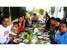 Familia que come unida, permanece unida y más si están disfrutando la deliciosa gastronomía de la isla de San Andrés, Colombia en la #HosteriaMarySol Instagram, Gastronomia, St Andrews, Exotic Places, Caribbean, Islands, Restaurants, Colombia, Food