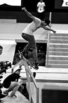 skate n surf vibes Skateboard Videos, Skateboard Pictures, Skateboard Art, Long Skateboards, Nyjah Huston, Skate And Destroy, Skate Shop, X Games, Skate Style