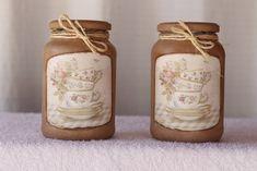 Vidros decorados em pintura e decoupage Tamanho médio ,pode ser usado como decoração ou até mesmo utiliza-los para outros fins. Uma ótima opçao de presente o ano todo. conjunto 2 peças