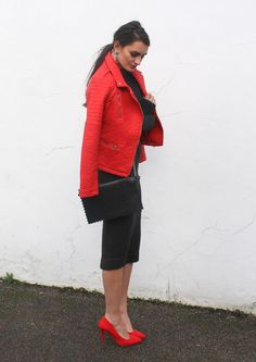 Add a leather jacket to toughen up any outfit. Some Valentine's Day ideas on peexo.blogspot.co.uk at the moment. Peexo personal style.