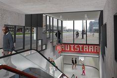 Zestien metrostations Oostlijn op de schop - PhotoID