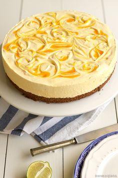 Sugar tidbits: Mango Cheesecake with Carob Crust Cheesecake Tarts, Mango Cheesecake, Mango Pie, Fruit Sauce, Cheesecakes, Vanilla Cake, Coco, Cake Recipes, Delish