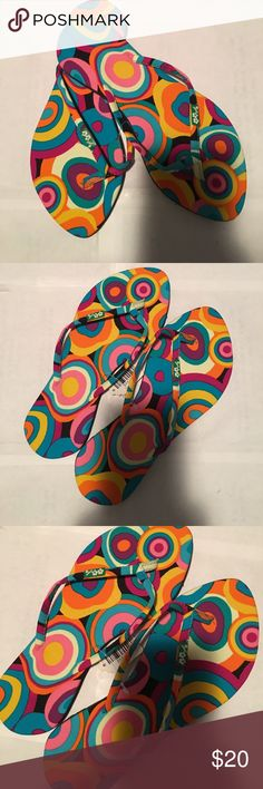 MULTI COLORED RETRO CIRCLE FABRIC FLIP FLOPS 7 NWT BRAND NEW TAGGED MULTI COLORED RETRO CIRCLE PRINT FABRIC FLIP FLOPS SIZE 7 TRUE TO SIZE Shoes Sandals
