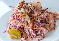 Looking for a delicious vegan coleslaw recipe? Look no further. #healthy #noms