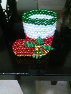 Bead Bowl, Beaded Christmas Ornaments, Peyote Beading, Beading Projects, Bead Crafts, Beaded Jewelry, Holiday Decor, Beaded Ornaments, Xmas Decorations
