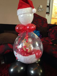Filled with chocolate, sweets, stocking and Santa hat! balloons for your occasion Valentines Balloons, Christmas Balloons, Christmas Bulbs, Christmas Decorations, Xmas, Holiday Decor, Balloon Crafts, Balloon Gift, Balloon Decorations