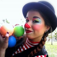 Image may contain: 1 person Fairy Eye Makeup, Clown Makeup, Halloween Make Up, Halloween Tutorial, Cute Clown, Clown Pics, Female Clown, Kajal, Festival Makeup