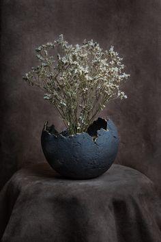 © Anthony Thomas Tromphime Anthony Thomas, Samsung, Vase, Home Decor, Decoration Home, Room Decor, Sam Son, Jars, Vases