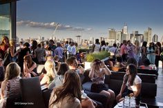 Rooftop Bars To Drink in Toronto's Skyline Views Rooftop Lounge, Rooftop Patio, Rooftop Design, Caesar Cocktail, Toronto Vacation, Toronto Travel, Toronto Bars, Best Restaurants In Toronto, Queen Street West