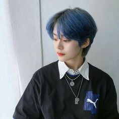 Pict of ulzzang boy. Tomboy Hairstyles, Pixie Hairstyles, Cute Hairstyles, Girl Short Hair, Short Hair Cuts, Short Hair Tomboy, Korean Boy Hairstyle, Korean Short Hair, Haircut Styles