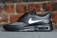 After all that huffin' and puffin' from the fellas, Nike finally answered the call for a mens edition similar to the low-format of the Air Max Thea, dropping the Air Max Tavas. Time will tell whether …