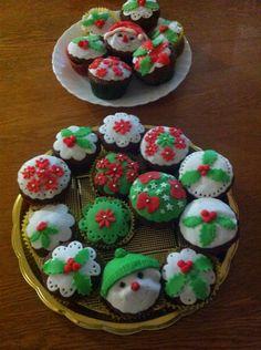 Muffin natalizi con pasta di zucchero