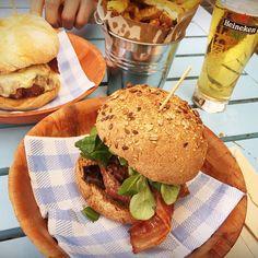 Makamaka Beach Burger Cafe Barcelona