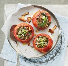 Tomatoes. Glorian ruoka&viini magazine.  styling Sanna Kekäläinen, photo Reetta Pasanen