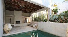 House of philip dixon venice, california Outdoor Rooms, Outdoor Living, Outdoor Decor, Venice Beach House, Dixon Homes, Style Marocain, Design Exterior, Desert Homes, Beach House Decor