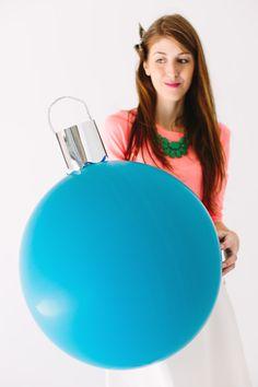 DIY Giant Ornament Balloons2