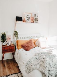 Home Interior Living Room .Home Interior Living Room Cute Bedroom Ideas, Cute Room Decor, Room Ideas Bedroom, Home Decor Bedroom, Bedroom Inspo, Bedroom Decorating Ideas, Decor Ideas, Boho Teen Bedroom, College Bedroom Decor