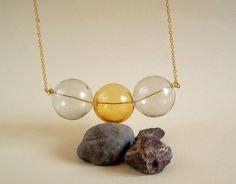 Collana grigio e crema con tre sfere di vetro di Tuttosicrea su DaWanda.com grey and cream yellow glass bubbles necklace
