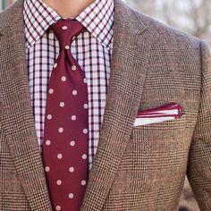 """""""Cold weather is hanging on by a thread. Blazer: @jcrew  Shirt: @bonobos  Tie: @thetiemakerbytaft x @sprezzabox / @sprezzanyc  Pocket Square: @thetiebar"""""""