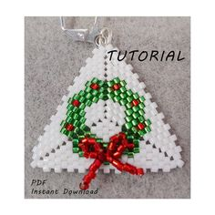 Christmas Wreath with Bow Earrings/Step-by-step beading pattern / Tutorial / Pdf beading pattern - Trend Holidays Recipes 2019 Felt Christmas Decorations, Beaded Christmas Ornaments, Christmas Jewelry, Christmas Wreaths, Diy Ornaments, Glass Ornaments, Christmas Crafts, Christmas Earrings, Christmas Christmas
