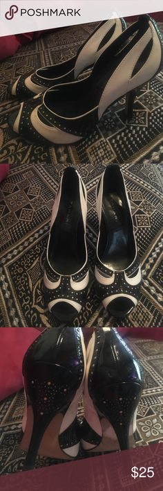Heels b/w Black and white 2.5inch heels. Ready to ship Tahari Shoes