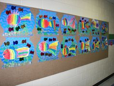 Rainbow fish in a fish bowl Kindergarten Art Lessons, Art Lessons Elementary, Preschool Themes, Preschool Art, Let's Make Art, Ecole Art, Rainbow Fish, Arts Ed, Book Projects