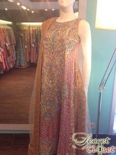 Shutterbug: Inside the Nomi Ansari Bridal Studio! Asian Clothes, Desi Clothes, Next Wedding, Wedding Ideas, Formal Wear Women, Mens Attire, Shalwar Kameez, Pakistani Bridal, Pakistani Outfits