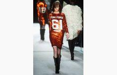 #TomFord #Womenswear #Fall #Winter 2014 #London #Fashion #Week #SequinedDress #Sequins #Dress #Maxi #Vestidos #Sport #Disco #BOGUE #Catwalks