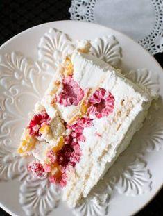Torta de Merengue y Frambuesa Baking Recipes, Dessert Recipes, Desserts, Chimichurri, Vanilla Cake, Cupcakes, Food, American Recipes, Layer Cakes