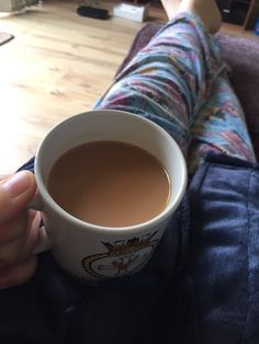 Proper brew - This isn't just a cup of tea. It's not a tea party, with fancy china and cucumber sand Story Instagram, Creative Instagram Stories, Instagram And Snapchat, Model Poses Photography, Dark Photography, Food Photography, Cool Instagram Pictures, Cool Girl Pictures, Superfood Recipes