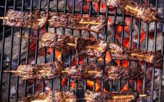 When you hear BBQ you probably think juicy ribs and Texan brisket. If your tastes run more towards the spicy and garlicky however turn your attention towards Korean BBQ. Bbq Beef Short Ribs, Korean Short Ribs, Kebab Recipes, Grilling Recipes, Asian Recipes, Korean Bbq At Home, Korean Food, Korean Bbq Recipe, Smoked Pulled Pork